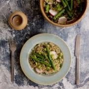 Quinoa con espárragos y edamames