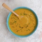 Sopa de zanahoria y curry