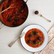Albondigas de quinoa y frijoles negros