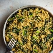 Quinoa cremosa con kale